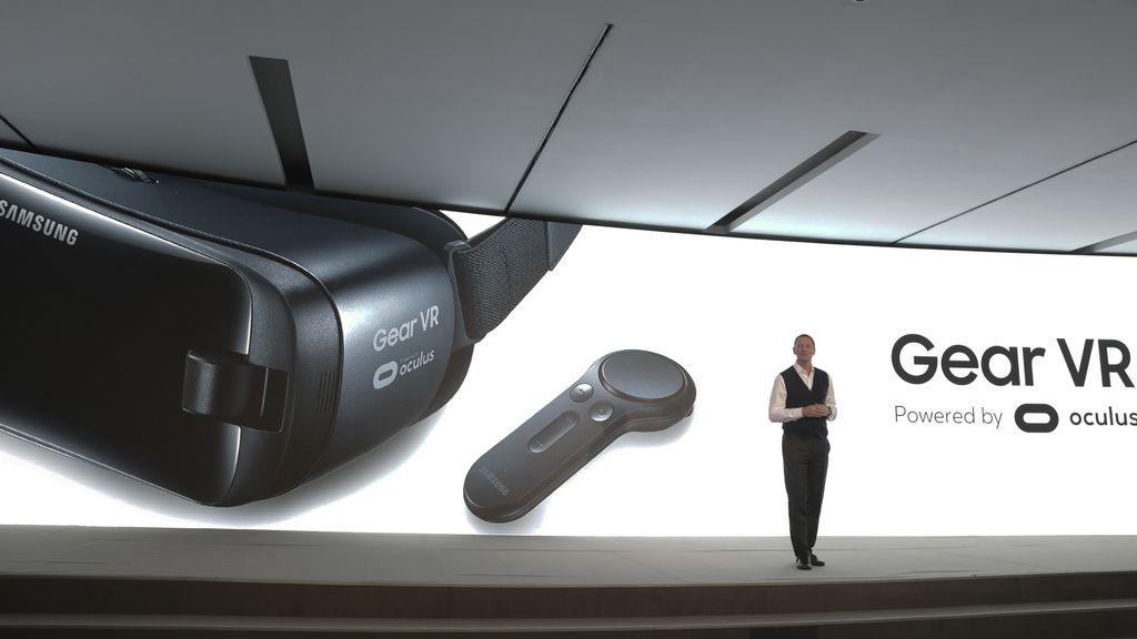 Samsung presenta su nuevo casco GearVR con mando