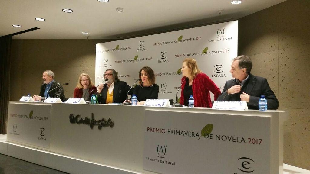 Carme Chaparro, Premio Primavera de Novela 2017