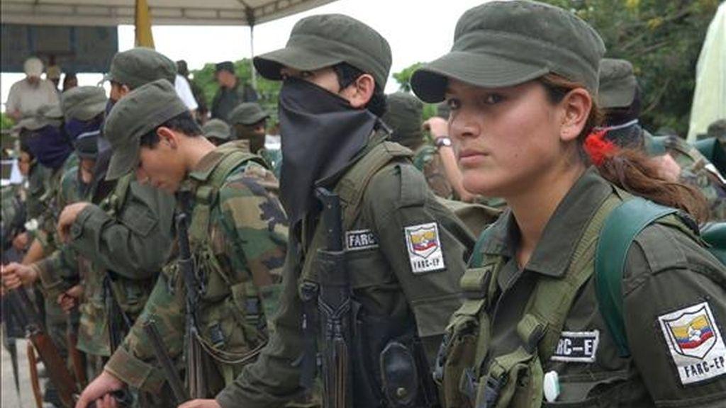 """En un comunicado publicado en la página de Internet de ANNCOL, las FARC solicitan a los mandatarios de América que trabajen """"por proteger a la población civil de los efectos de la confrontación militar"""". EFE/Archivo"""