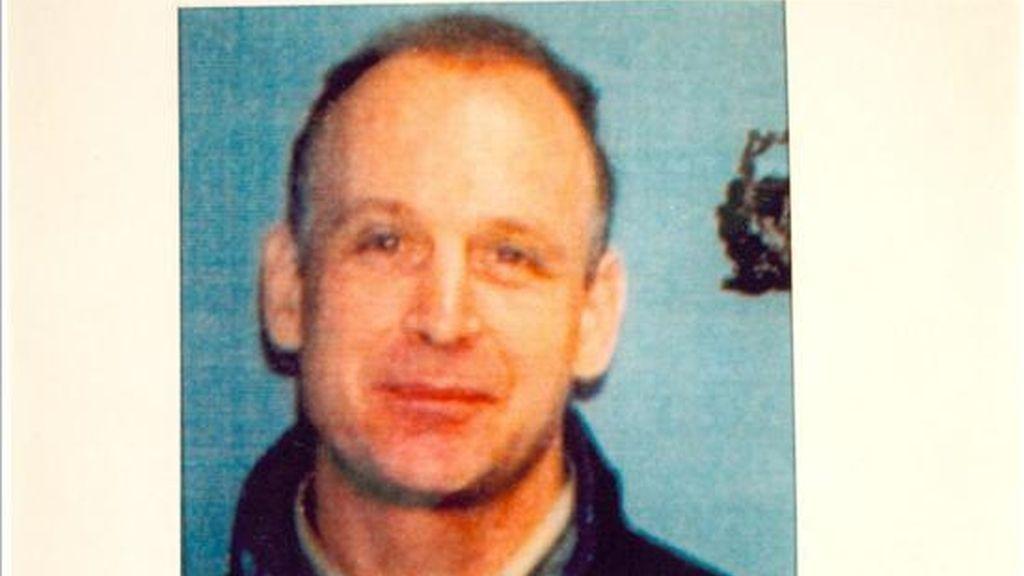 Fotografía sin fechar cedida por la Fiscalía Federal del Distrito Sur de Manhattan el pasado 1 de julio de 2010, que muestra a Robert Christopher Metsos, de 54 años, buscado por Estados Unidos, por supuesto espionaje a favor de Rusia. EFE/Archivo