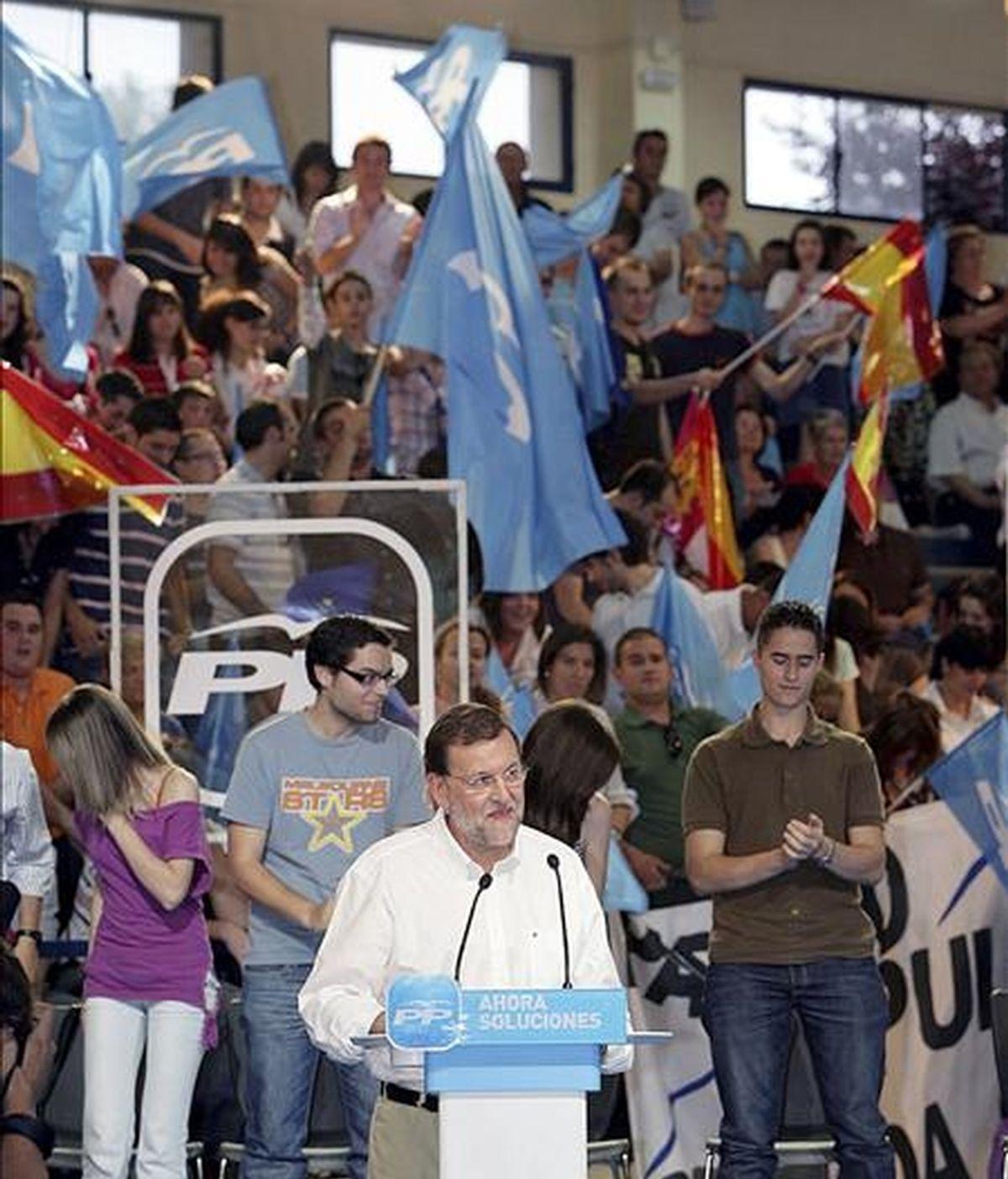 El líder del PP, Mariano de Rajoy, durante su intervención en el acto electoral para las elecciones europeas celebrado hoy en Ciudad Real. EFE