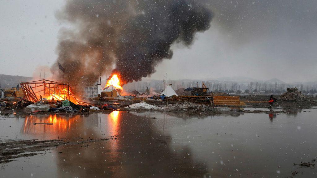 Dakota Access: Manifestantes contra el oleoducto