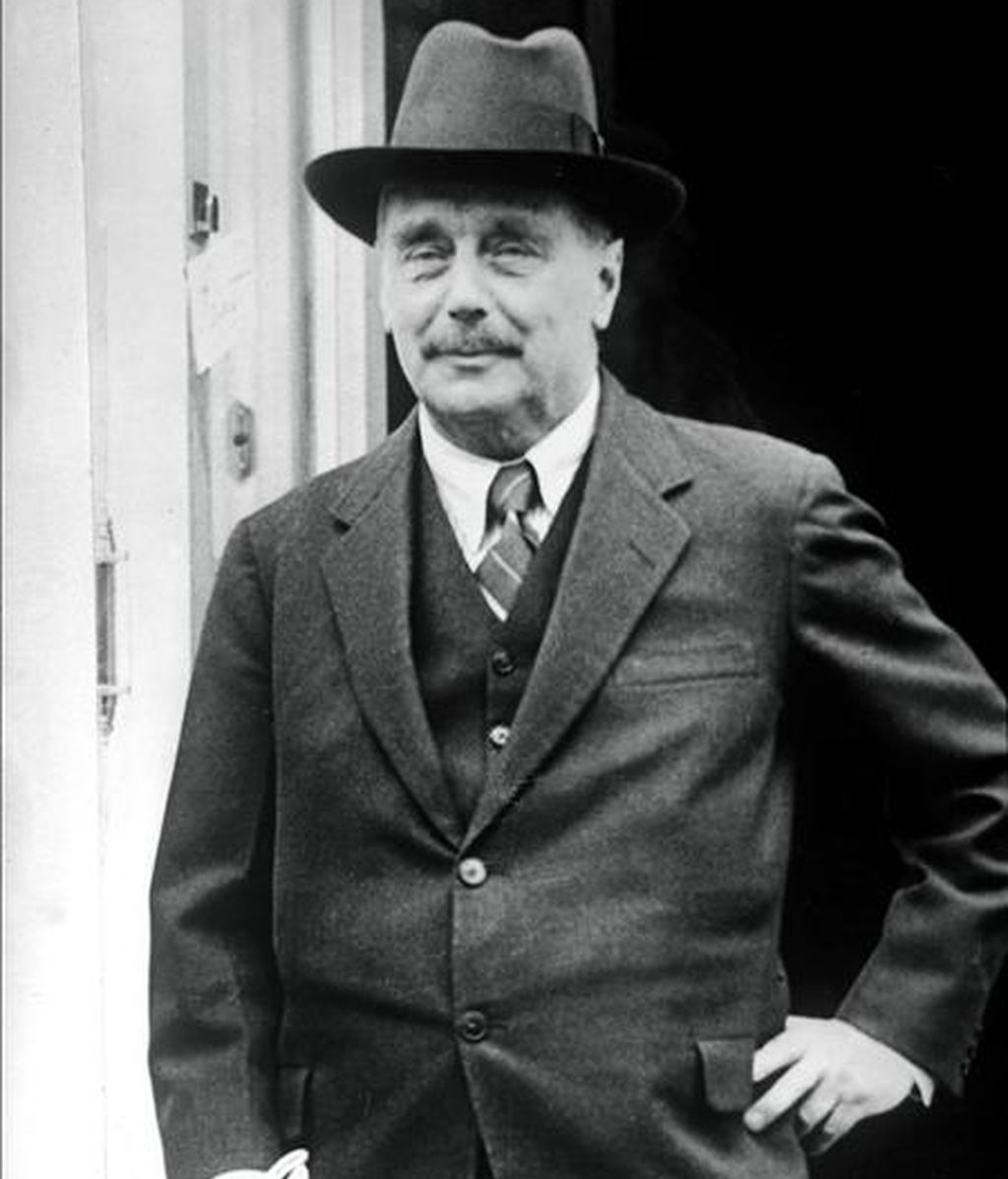 Retrato del escritor y sociólogo inglés Herbert George Wells (1866-1946), precursor de la literatura de ciencia-ficción. (Foto sin fecha). EFE/Archivo