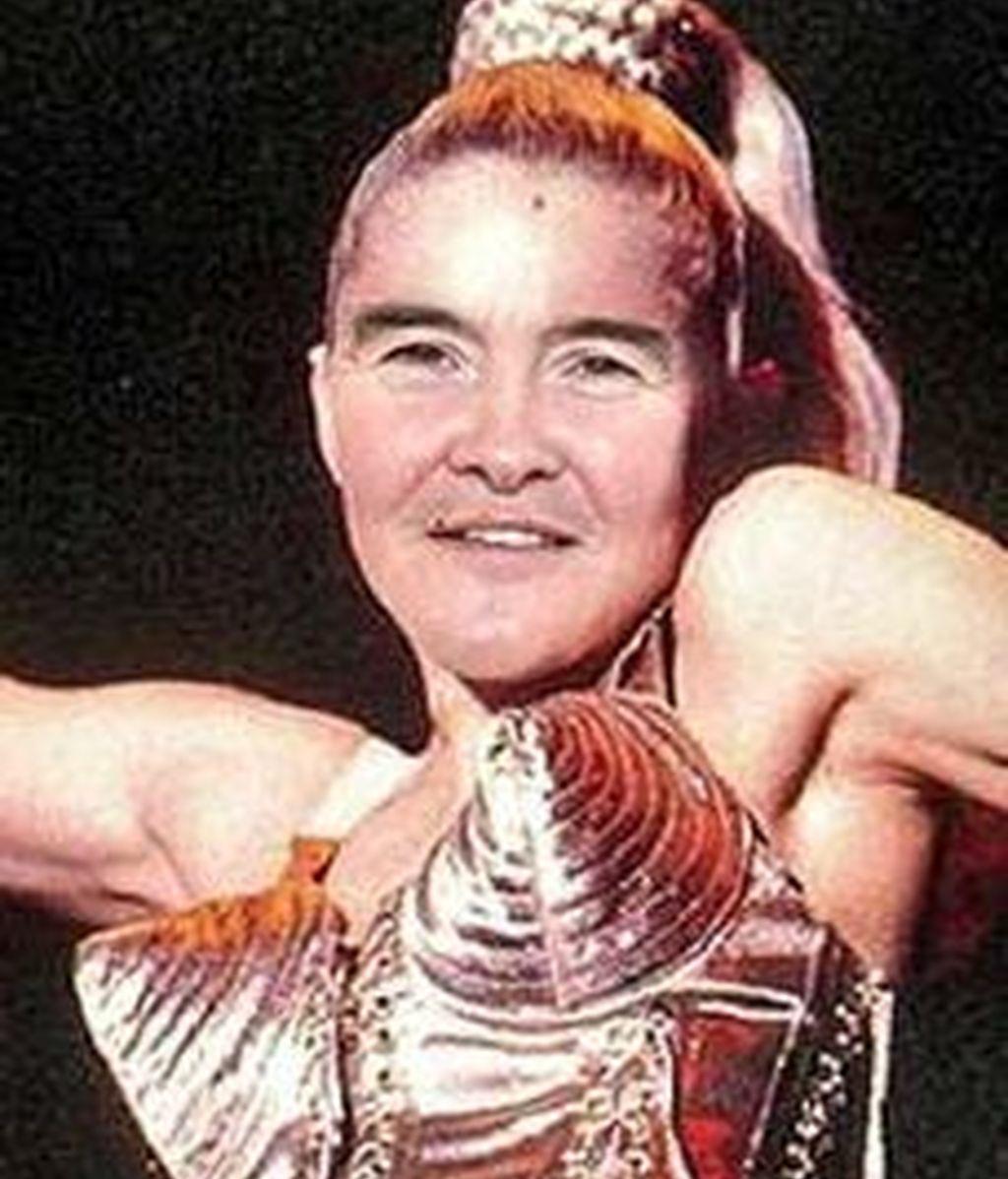 En caso de que Susan Boyle decida cambiar de look, la prensa sugiere algunos iconos a imitar. Aquí aparece la escocesa en plan Madonna. Fotos The mirror