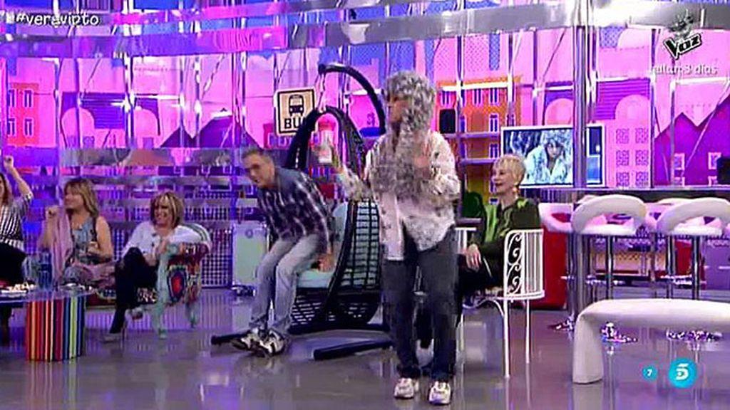 Chelo también sabe bailar el 'chuminero'