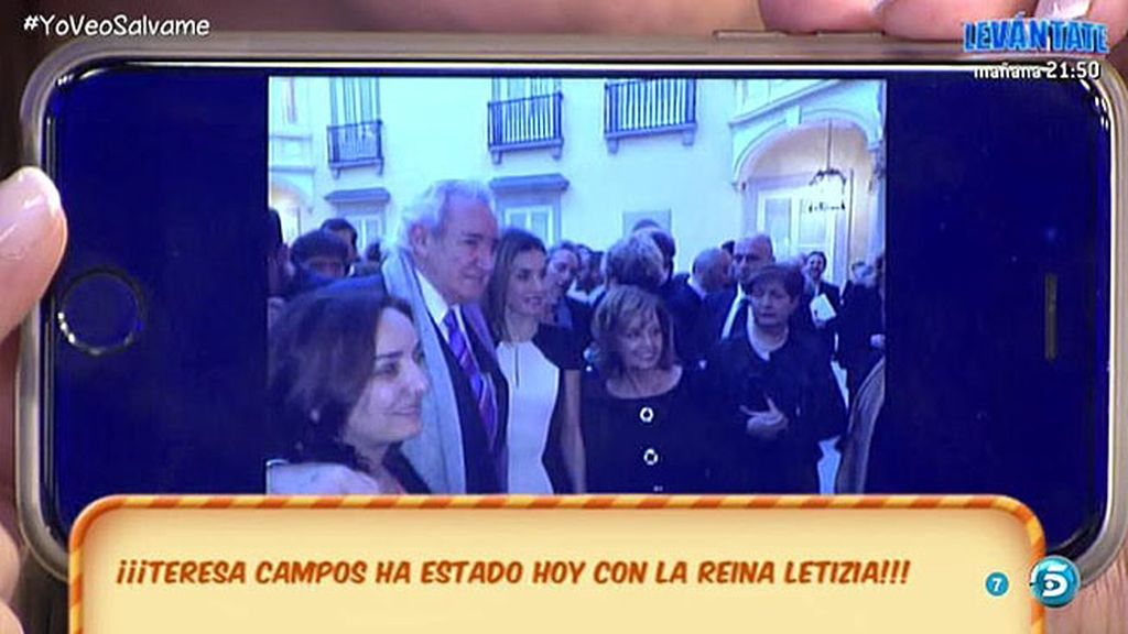 Mª Teresa Campos, junto a la Reina Letizia