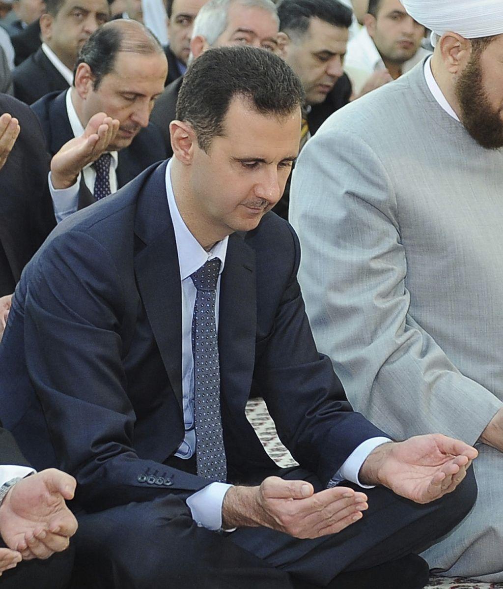 Bashar Al Assad en una mezquita de Damasco. Foto: Reuters