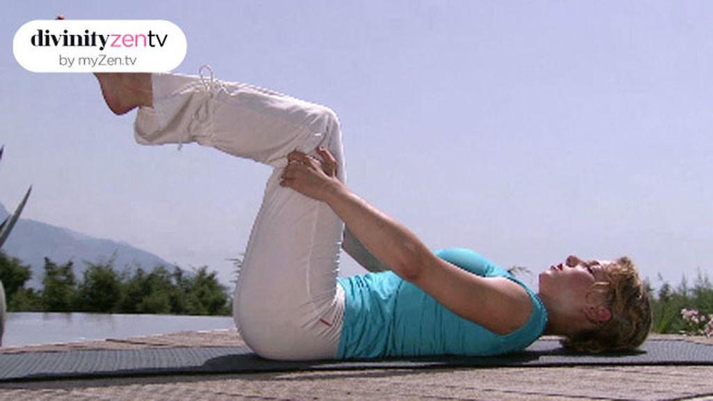 Si estás cansado después de toda la semana, anímate con un calentamiento de Yogalates