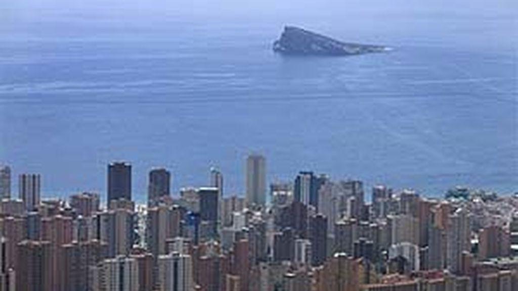 El urbanismo salvaje y la contaminación han destruido la costa española. Vídeo: Informativos Telecinco.
