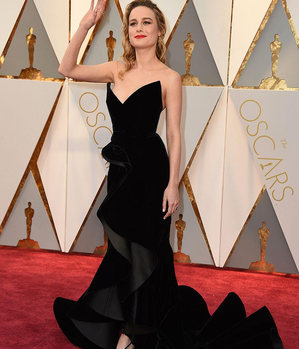 Brie Larson vestida de Oscar de la Renta