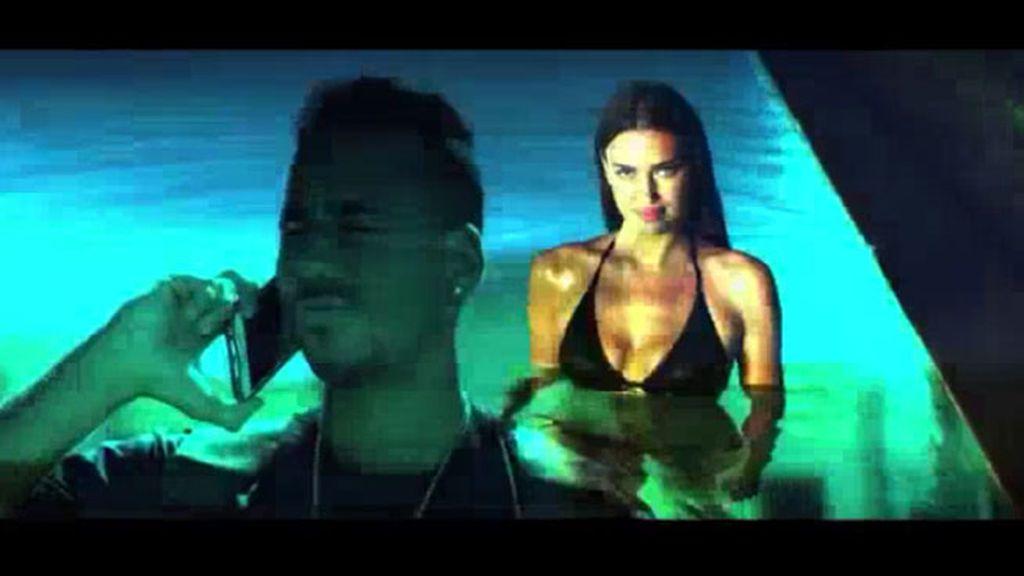 Irina Shayk, la ex de CR7, una sirena en acción en el nuevo vídeo de Romeo Santos