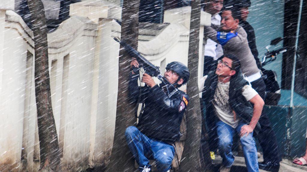 La policía actúa en Indonesia tras una explosión