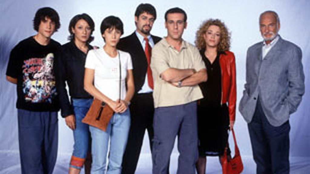 Los integrantes del grupo de terapia capitaneador por Héctor Alterio.