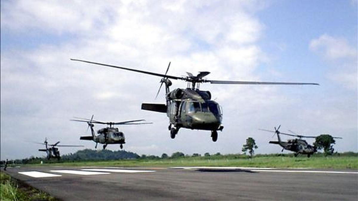 """La Armada colombiana informó hoy en un comunicado sobre la operación bilateral """"Colper Amazonía 2010"""", que desde el pasado martes y por tres semanas se realizará de forma conjunta en el área fronteriza entre Colombia y Perú. EFE/Archivo"""