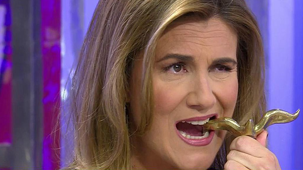 Carlota Corredera recibe su 'Premio Gaviota' de oro ¡¡Como la mismísima Pantoja!!