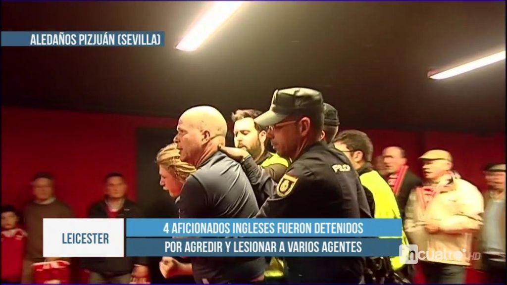 Cuatro aficionados del Leicester, detenidos por agredir a varios agentes de la Policía