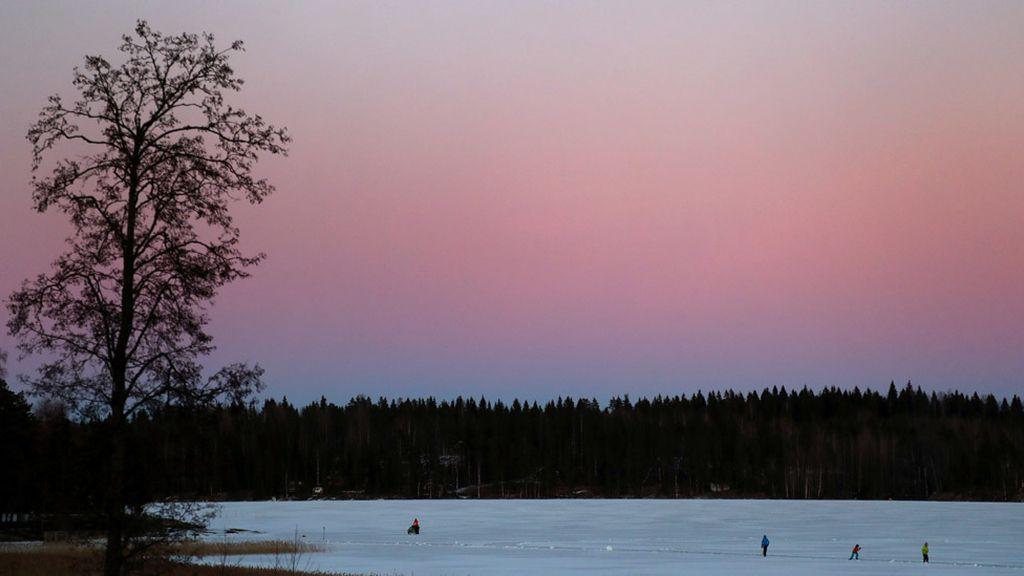 Lago congelado en Finlandia