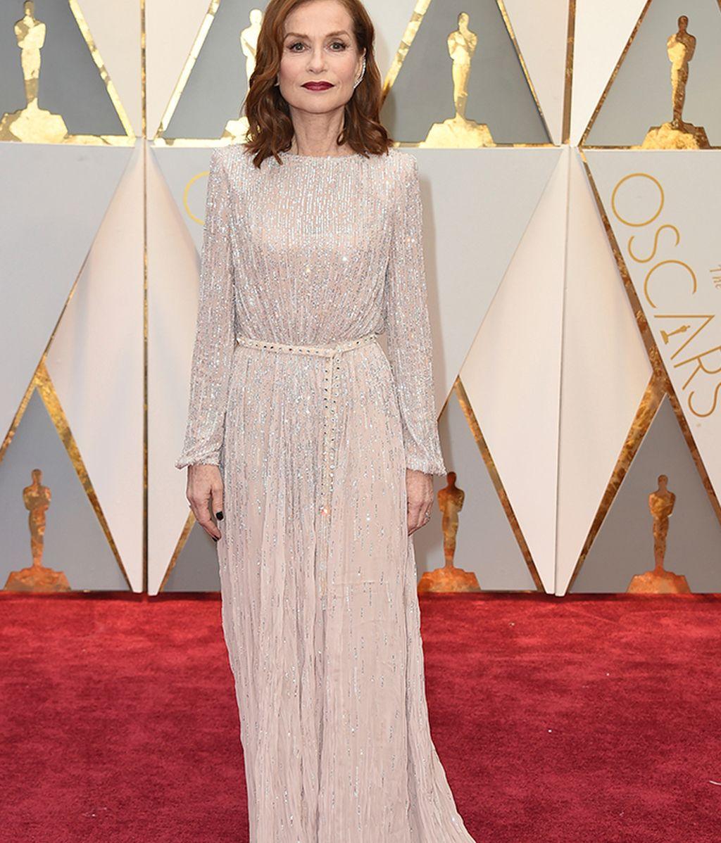 Isabelle Hupert con vestido de Armani