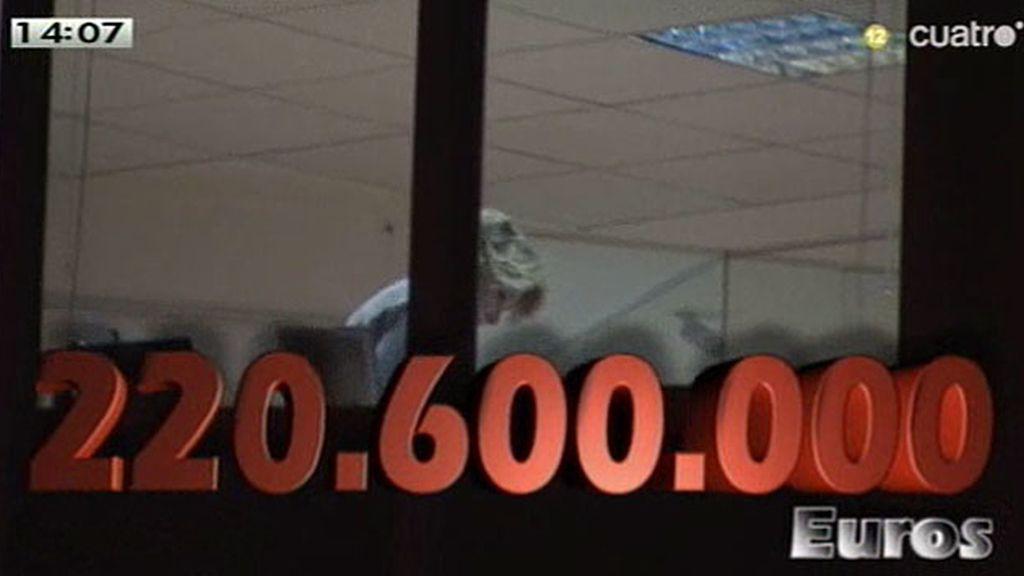 Esperanza Aguirre gastó 220.660.000 euros en publicidad institucional entre 2008 y 2011, según publica el diario 'Público'