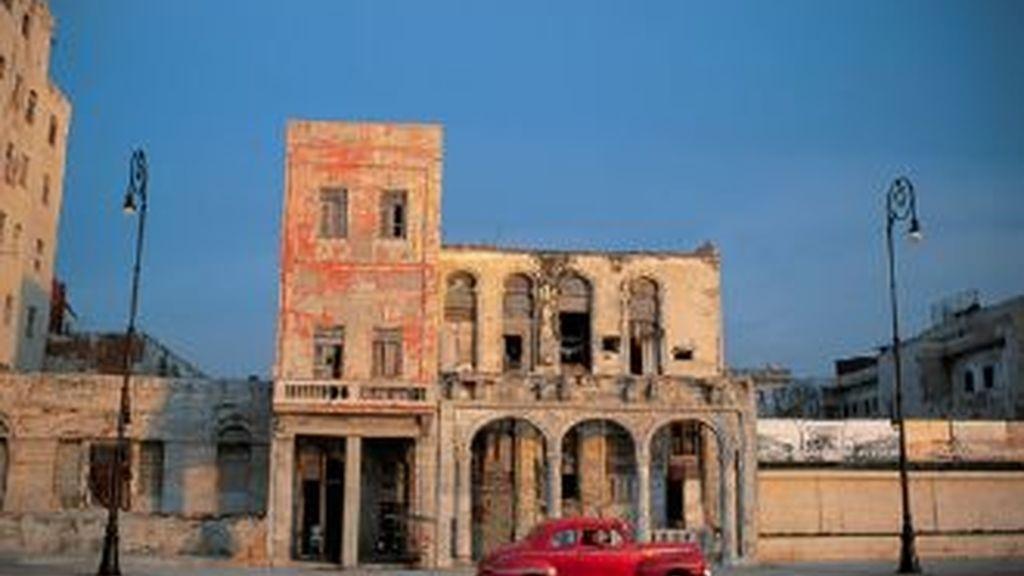 El Gobierno de Obama suaviza el embargo a Cuba con medidas que liberalizan los vuelos y el envío de remesas a la isla. Foto de La Habana.