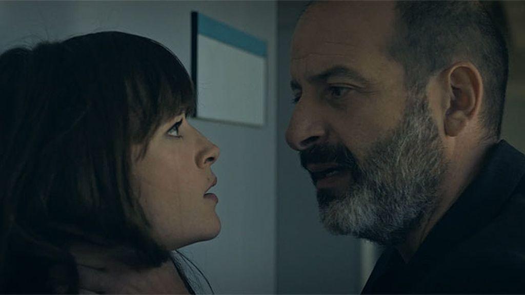 Ezequiel Cortés busca a Ana en la facultad tras su encontronazo en Villa Castro