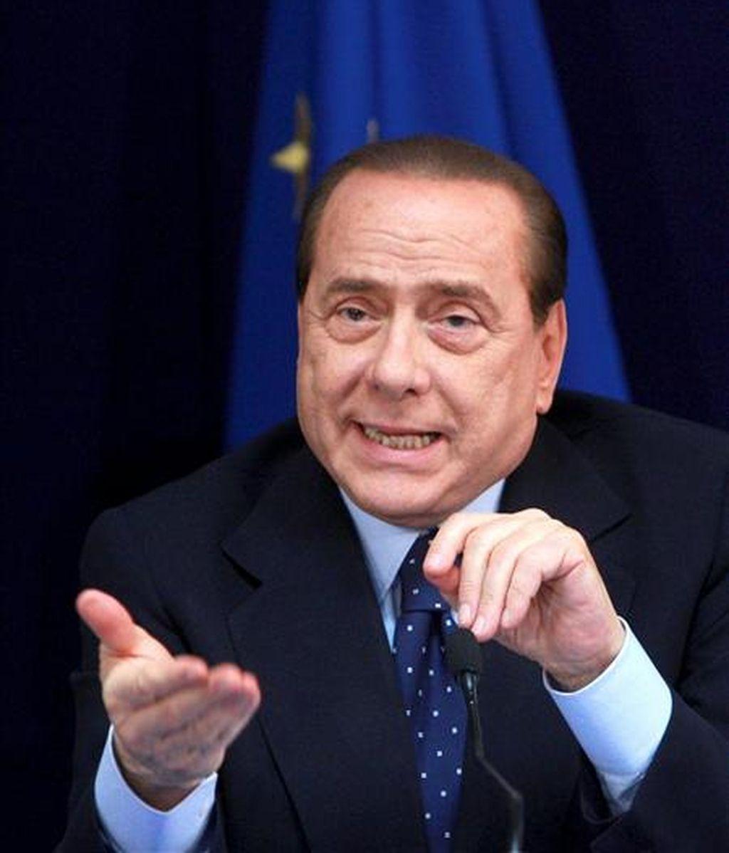 De confirmarse, este resultado supone un triunfo para la Liga Norte (LN), el partido aliado del primer ministro, Silvio Berlusconi (en la imagen), contrario al referendo, así como del opositor Italia de los Valores (IDV), del ex magistrado Antonio Di Pietro. EFE/Archivo