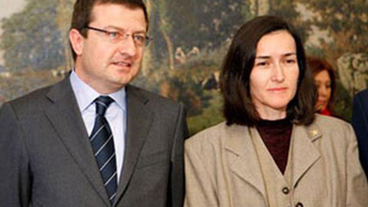 Ignasi Guardans junto a la ministra de Cultura, Ángeles González-Sinde. Foto:EFE