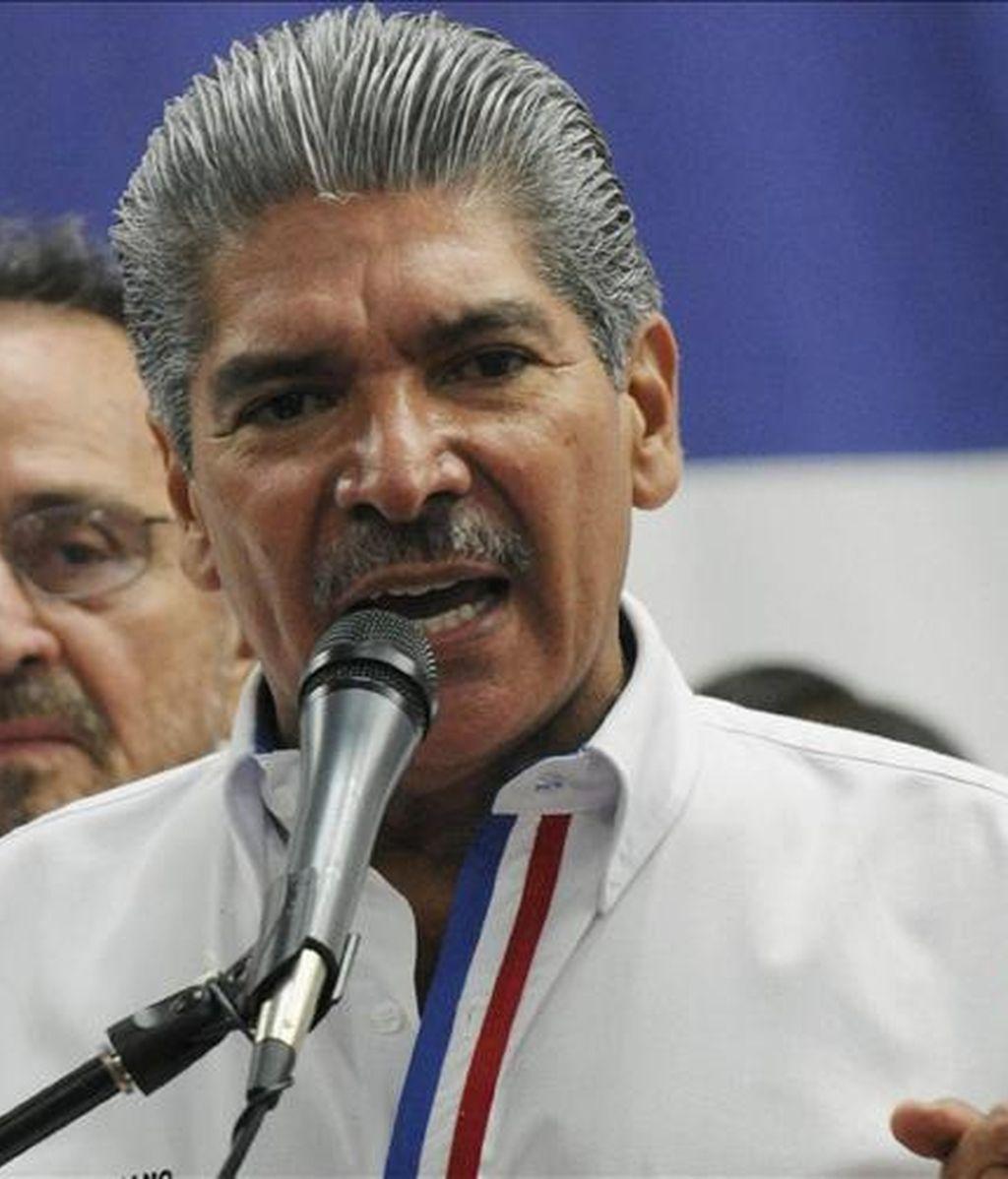 En capitales como San Salvador, la crisis financiera se ha traducido en una caída del presupuesto del 25 por ciento, explicó el alcalde de esa metrópoli, Norman Quijano. EFE/Archivo