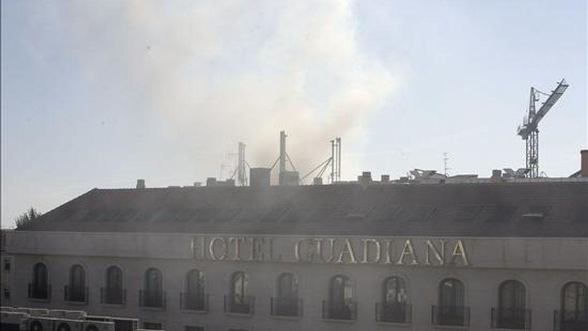 Un incendio por razones desconocidas se ha declarado esta tarde en el hotel Guadiana, de Ciudad Real, donde mañana, miércoles, tiene programada una reunión la presidenta del PP de Castilla-La Mancha, María Dolores de Cospedal. EFE
