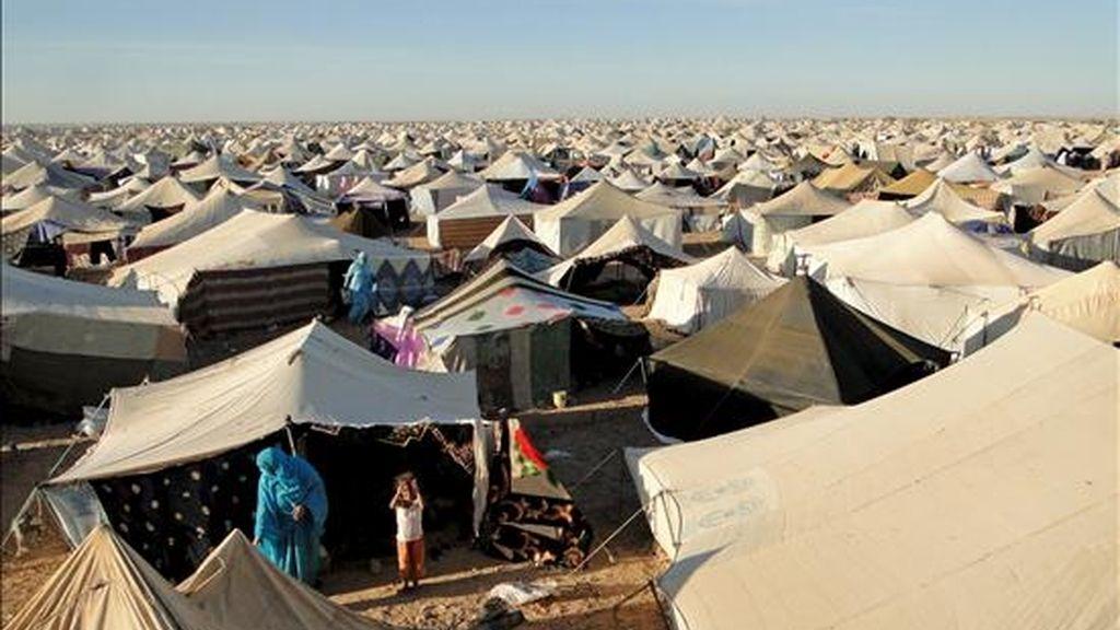 Vista general del campo de desplazados saharauis Gdeim Izi, situado a 18 kilómetros de El Aaiún, capital del Sahara Occidental. EFE/Archivo