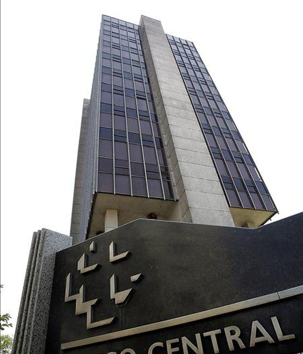 La nueva proyección destaca en la encuesta divulgada hoy por el Banco Central, elaborada el viernes pasado entre un centenar de analistas y economistas de las entidades financieras del país. EFE/Archivo