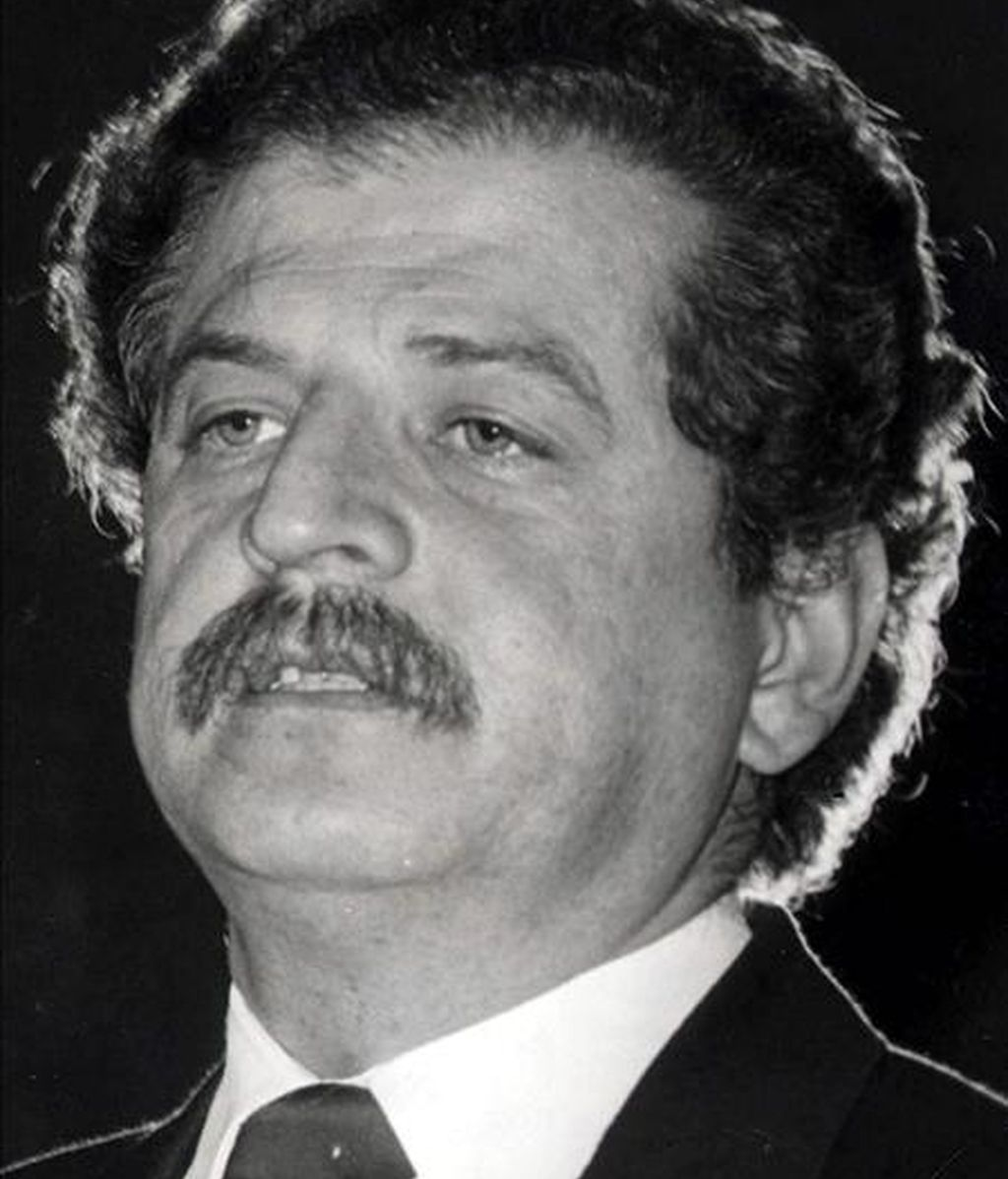 Fotografía de archivo sin fechar en la que se observa al dirigente liberal colombiano Luis Carlos Galán Sarmiento, quien fue asesinado el 18 de agosto de 1989 cuando se aprestaba a dar un discurso en la plaza central de Soacha (Colombia). EFE/Archivo