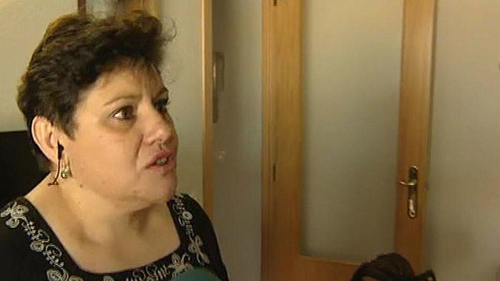 """Mari Carmen, abogada en paro: """"Los brotes verdes los veo en las macetas"""""""