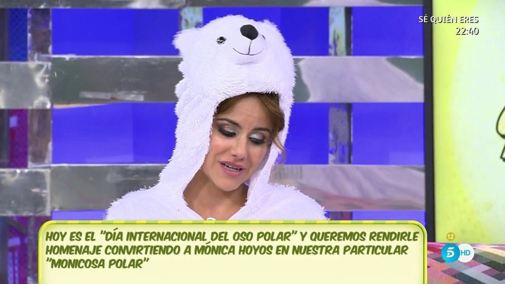 Mónica Hoyos se disfraza por el 'Día Internacional del Oso Polar'