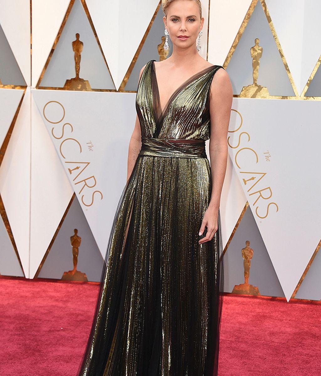 Charlize Theron con vestido de Dior