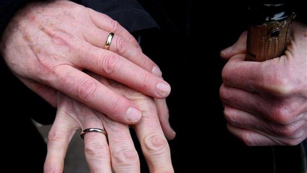 La boda de las seis parejas seguirá el guión normal de este tipo de ceremonias, con la entrada de los padrinos, seguida de la de los novios o novias, lectura de mensajes y de votos, intercambio de alianzas, bendición del pastor y rezo de una oración final. EFE/Archivo