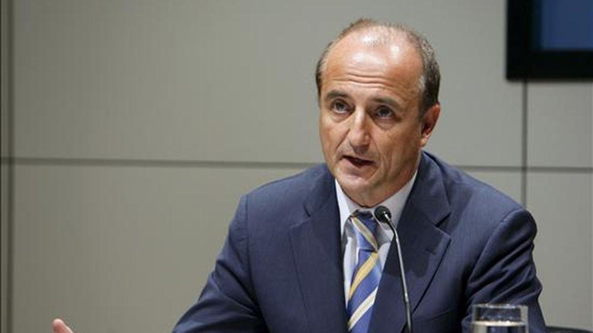 """El ministro de Industria, Turismo y Comercio, Miguel Sebastián, durante su participación hoy en el """"Foro Banesto Lidera"""", celebrado en Madrid. EFE"""