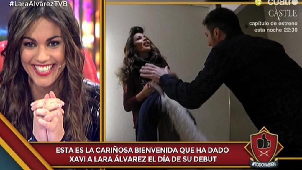Primera broma para Lara: Xavi le pega un susto en su camerino con el 'Cristiano-grito'