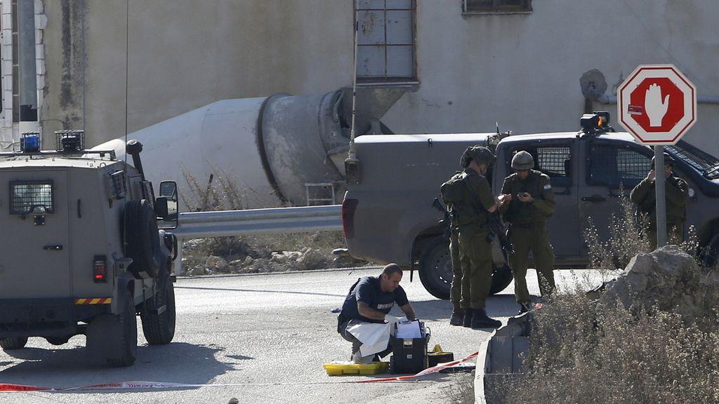 Matan a tiros a un palestino que acuchilló a dos guardias israelíes