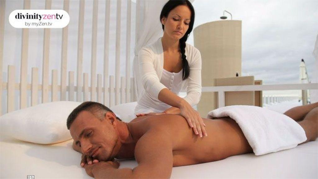 Relajarse en pareja: 15 minutos de masaje antiestrés pueden mejorar tu día