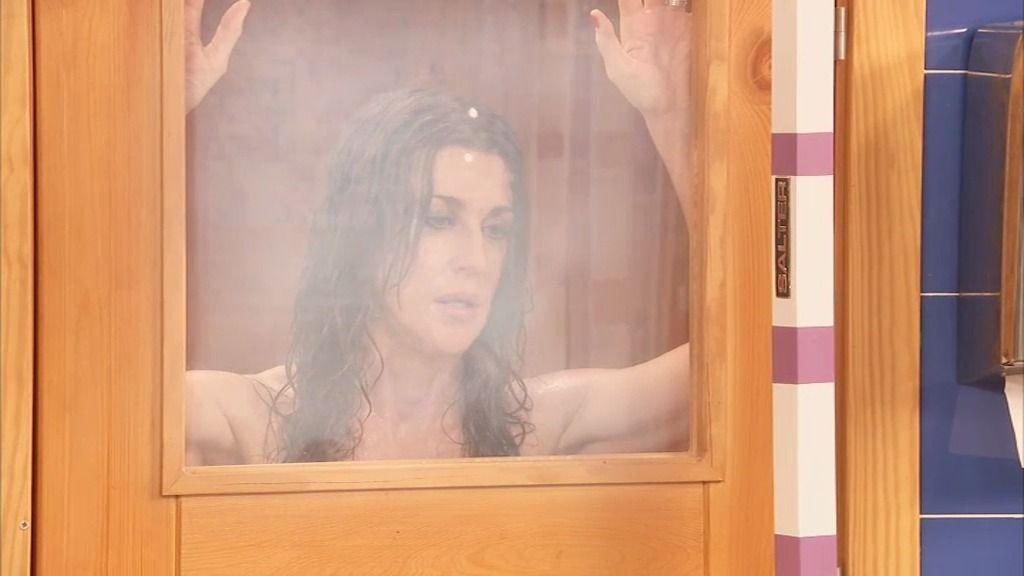 Pilar, encerrada en una sauna por timadora
