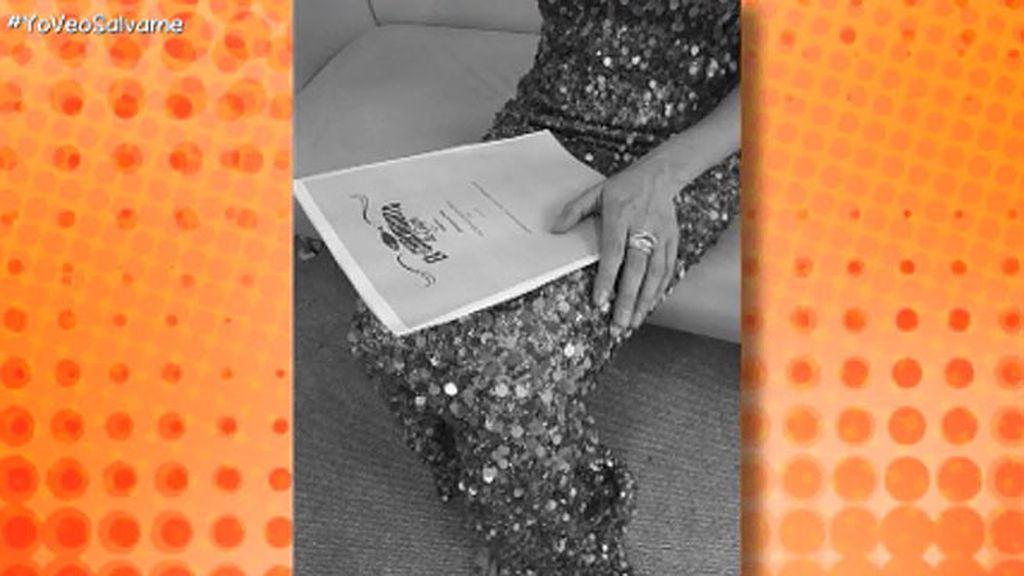 ¡Kiko Hernández descubre el vestido que Dafne Fernández llevará en las Campanadas!