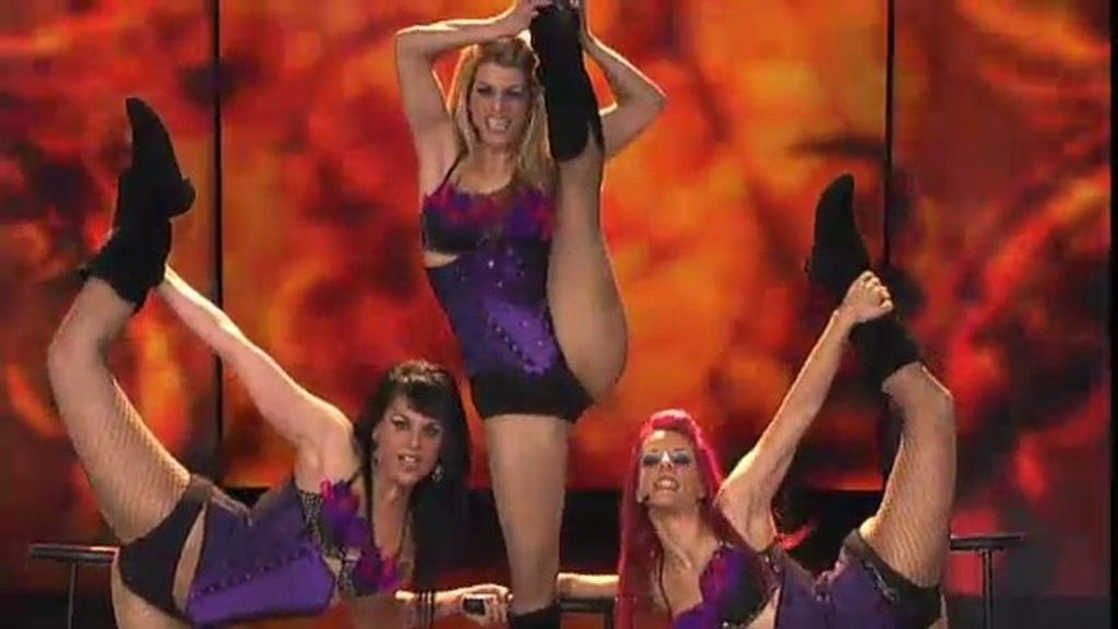 Showsisters, de 20 a 28 años, espectáculo burlesque
