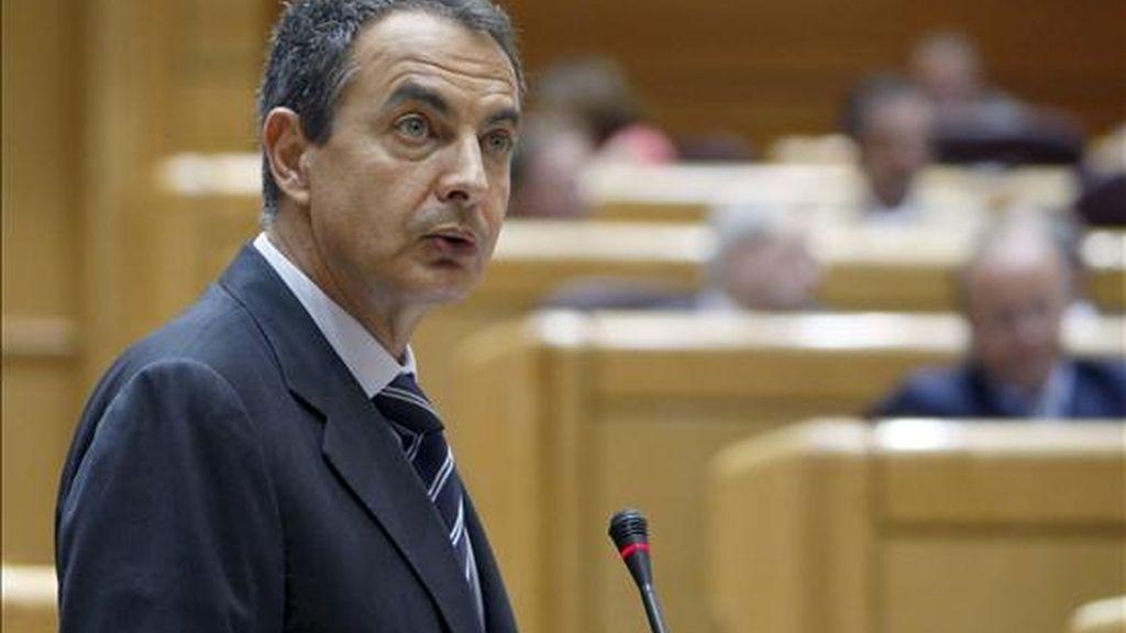 El presidente del Gobierno, José Luis Rodríguez Zapatero, durante la sesión de control al Ejecutivo celebrada esta tarde en el Senado. EFE