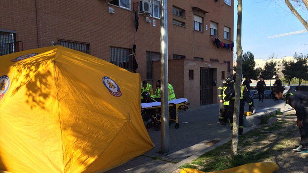 Herida muy grave una joven tras recibir cuatro puñaladas y caer por una ventana en Madrid