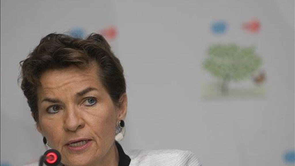 """""""De lo que se trata en Cancún es precisamente de que todos los países miren más allá de posiciones nacionales y, sin comprometer sus intereses de largo plazo, busquen esas áreas en donde puede haber acuerdos"""", dijo la secretaria ejecutiva de cambio climático de la ONU, Christiana Figueres. EFE"""