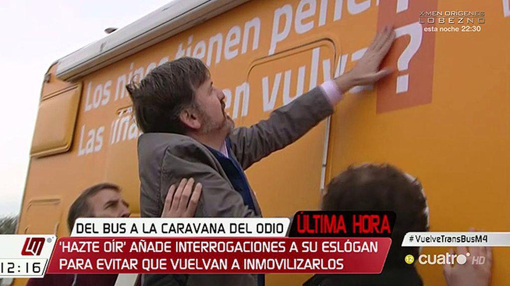 Ahora es una caravana y pregunta: '¿Los niños tienen pene, las niñas tienen vulva?'