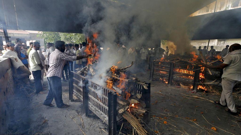 Pira funeraria en la India