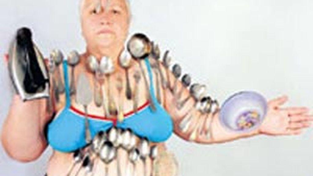 Su cuerpo atrae cualquier tipo de objeto metálico, pero también puede trabajar con plástico y cristal. Foto: Pravda