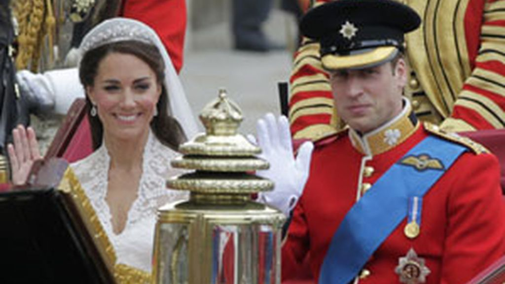 Kate y William se dan el 'sí quiero'. Vídeo: Informativos Telecinco